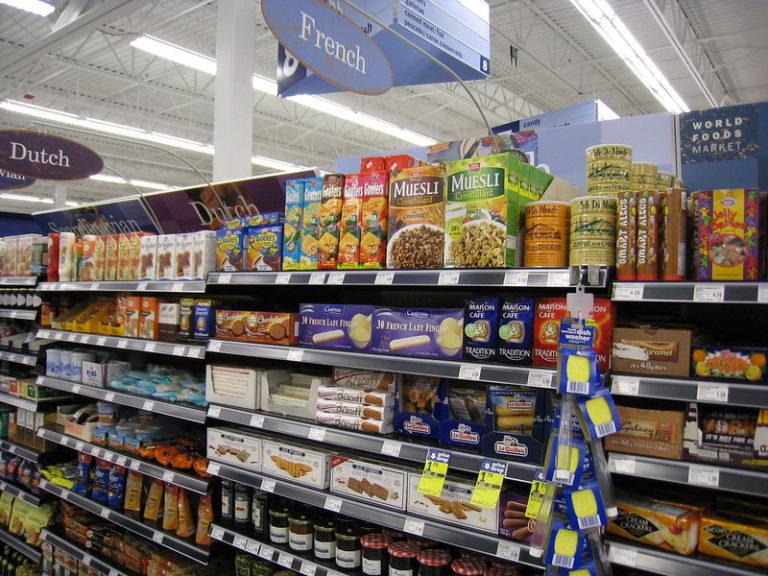 Maijer grocery store shelves