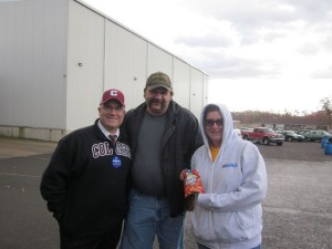 Local 1776 Members with one of the many gluten-free Wise Chips products they make!