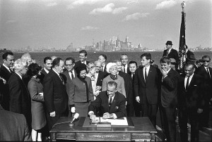 Immigration_Bill_Signing_1965